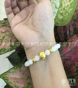 Vòng Moon Stone 7 Ly charm Hoa Sen,Bi 24K