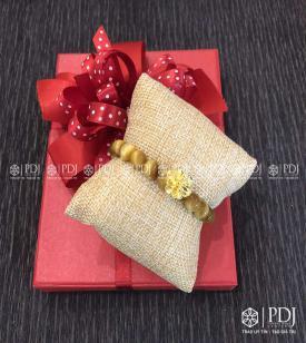 Vòng Mắt Hổ Vàng 8 ly loại A charm Hoa Mai 24K