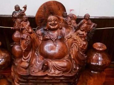 Tượng Phật Di Lặc mang những ý nghĩa phong thủy nào?