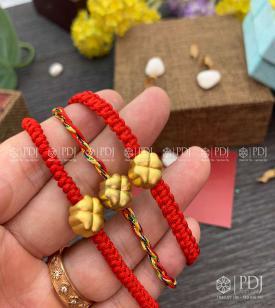 Vòng Tay Chỉ Đỏ - Vòng Tay Ngũ Sắc Charm Cỏ Bốn Lá Bạc Si Vàng