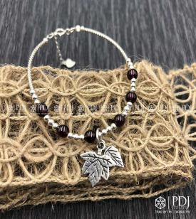 Vòng Granat charm bạc lá